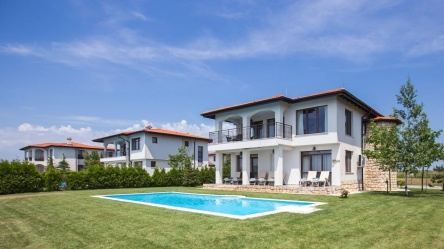 Vila de lux cu piscina in Black Sea Rama Golf Club