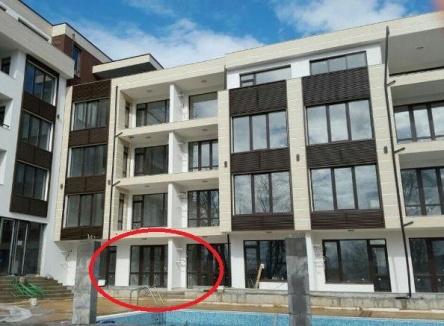 Apartament cu trei camere in prima linie Primorsko