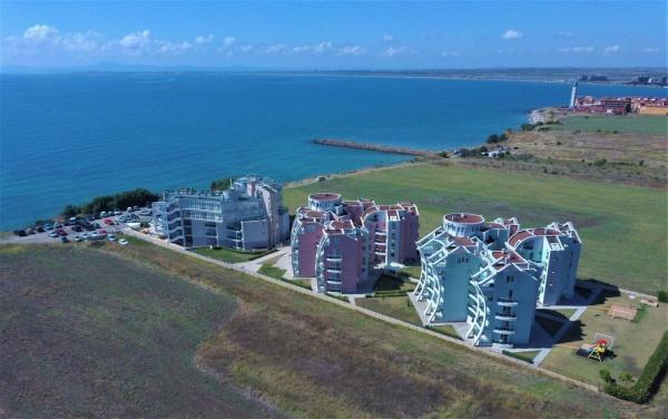 Apartamente mobilate in prima linie la mare la super pret