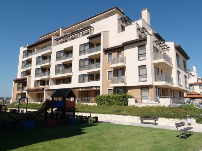 Apartament cu trei camere la plaja in Obzor