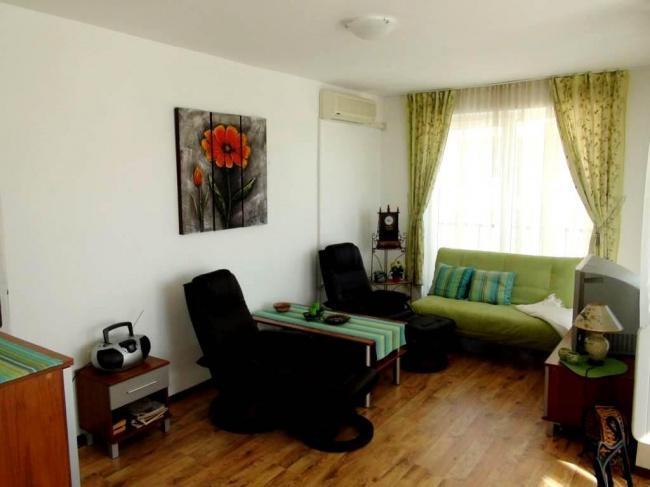 Apartament cu trei camere la mare in Burgas