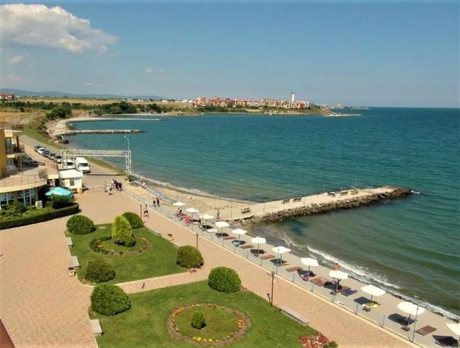 Penthouse spatios in prima linie la mare in Bulgaria