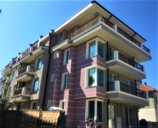 Cladire noua cu apartamente cu 2 camere in Ravda