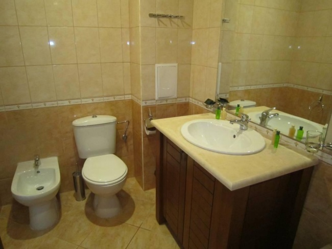 Apartament mobilat cu 3 camere in Kaliakria