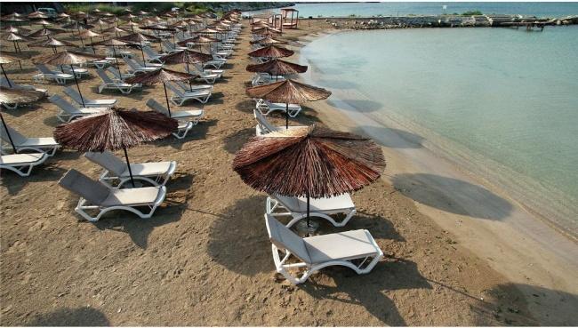 Locuinte in prima linie la mare cu plaja privata langa Balchik