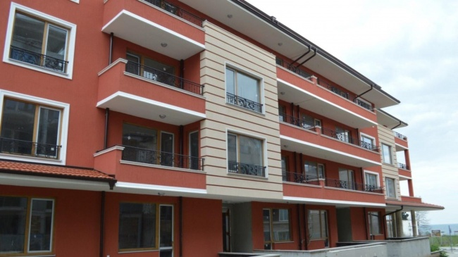 Apartamente noi in Ravda langa plaja