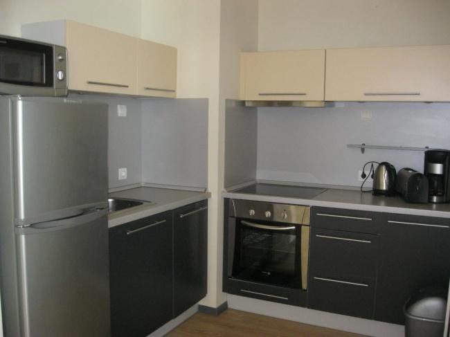 Apartament cu trei dormitoare in prima linie la mare