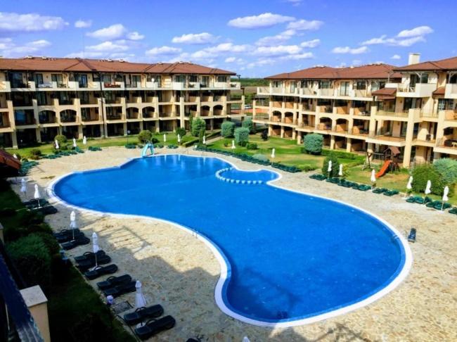 Pret atractiv - apartament cu 3 camere in complexul Kaliakria