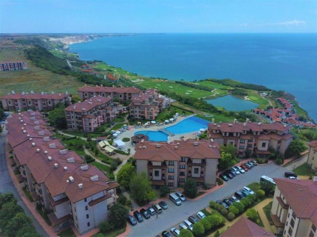 Apartamente unice in prima linie pe coasta Marii Negre
