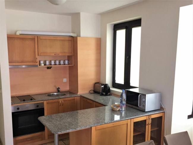 Apartament mobilat cu 3 camere in prima linie in Kaliakria