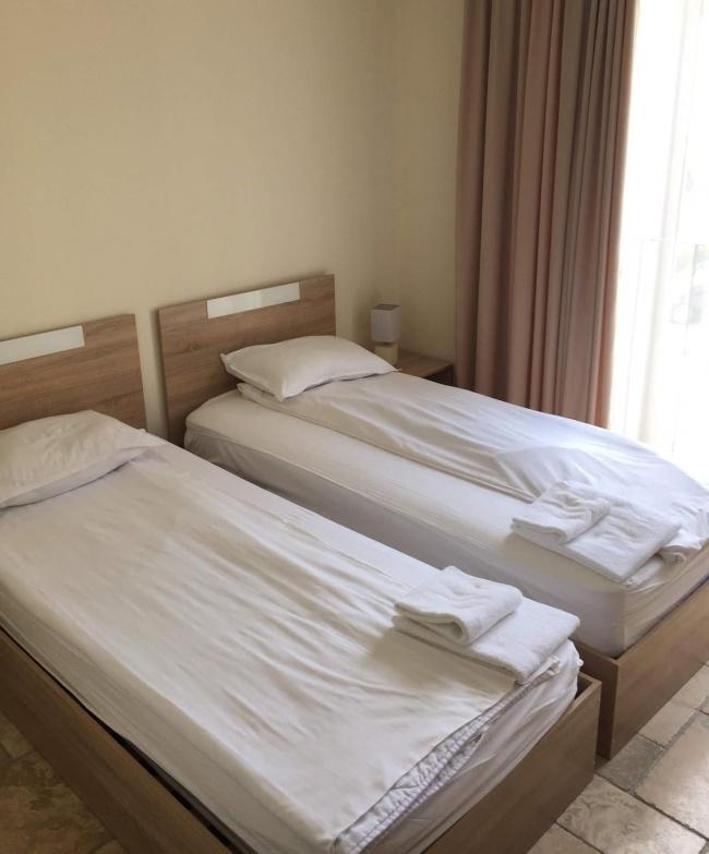 Pret atractiv - apartament mobilat cu trei camere in complexul Kaliakria