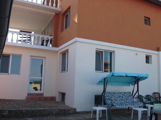 Vila noua langa mare - casa de oaspeti