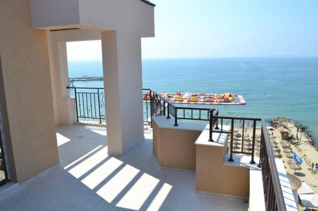Apartamente de lux in prima linie la mare
