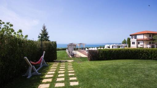 Casa cu 3 dormitoare in Black Sea Rama