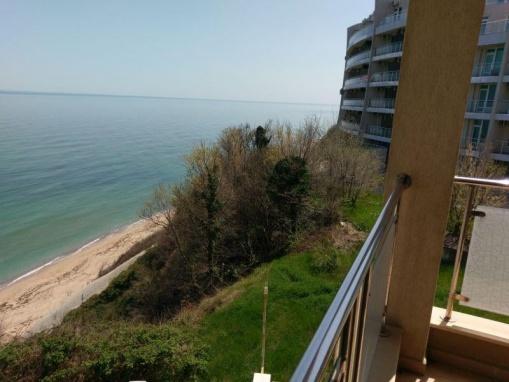 Apartament in prima linie la mare in Byala
