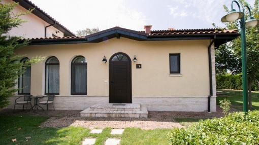 Vila mica in complex de golf langa Balchik